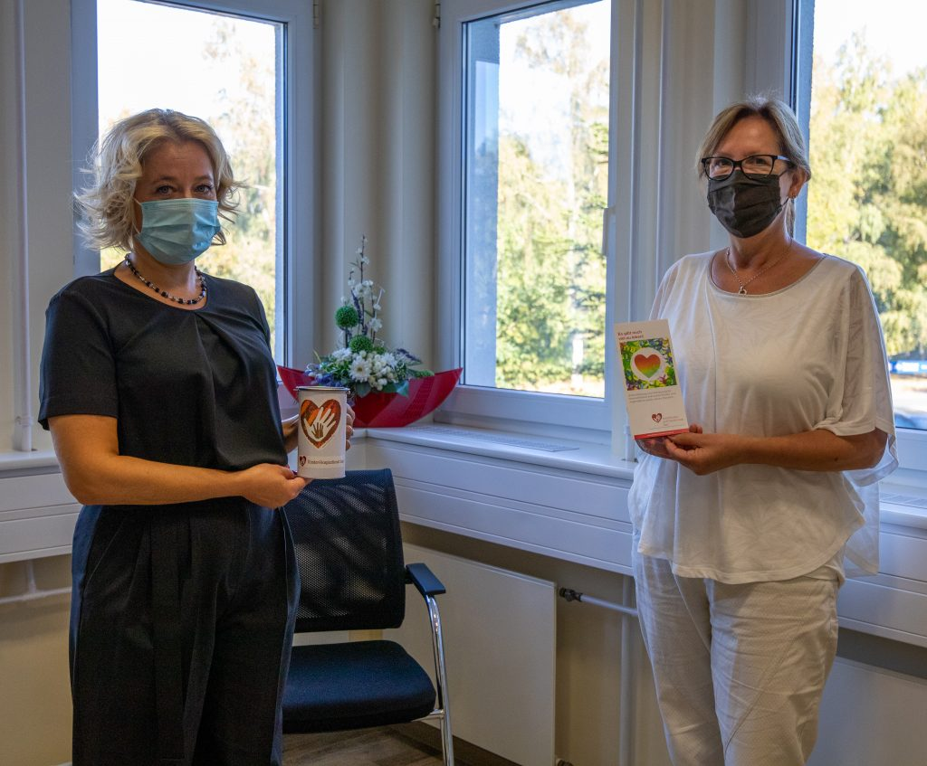 Spendenübergabe durch Bürgermeisterin Anne Yliniva-Hoffmann